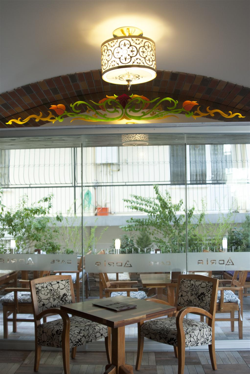 adria-cafe2015921173559713.jpg izmir vitray çalışması