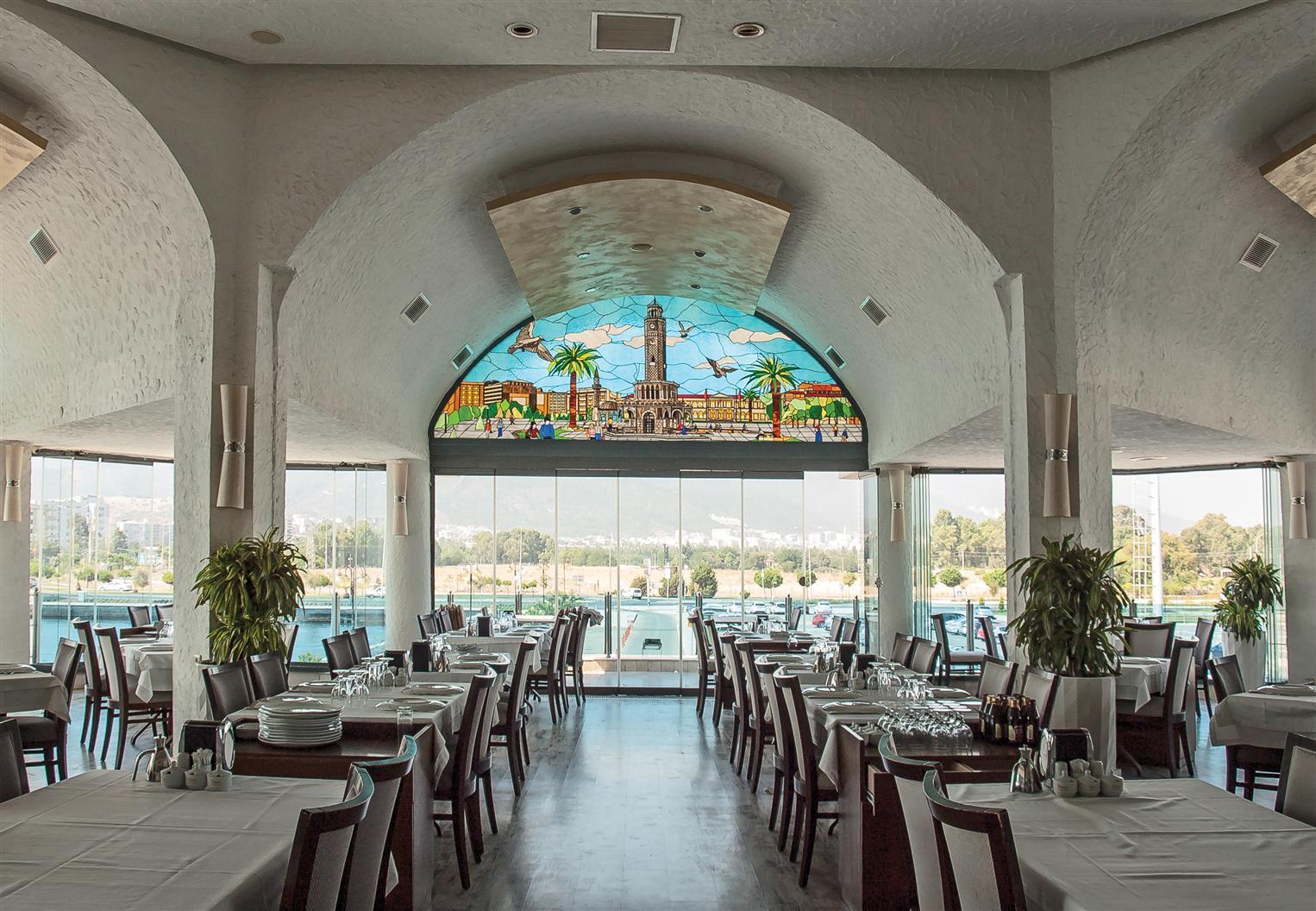 bogazici-restaurant-uckuyular2017122220563937.jpg izmir vitray çalışması