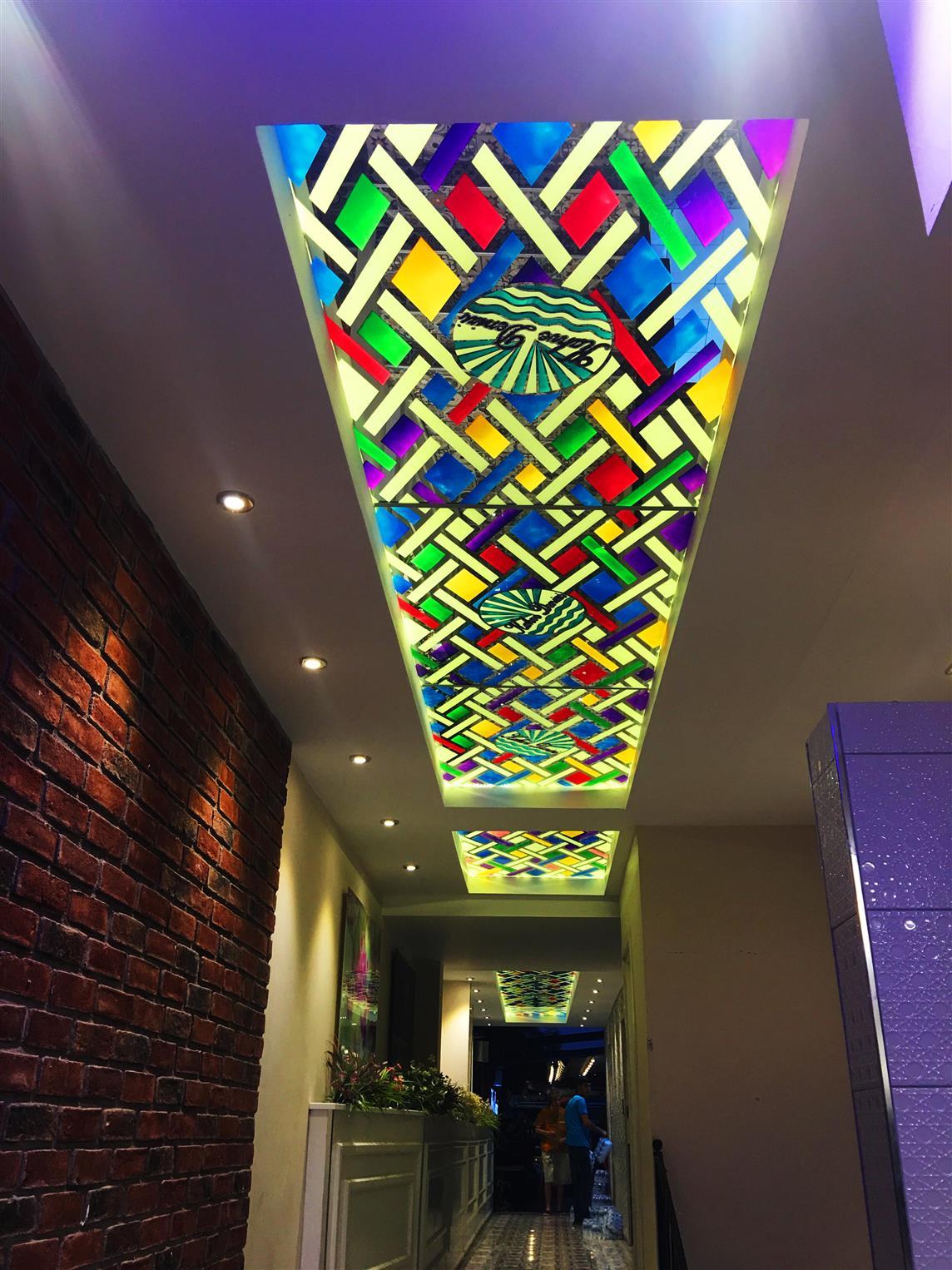 kahve-denizi-cafe-restaurant20171221184426572.jpg izmir vitray çalışması