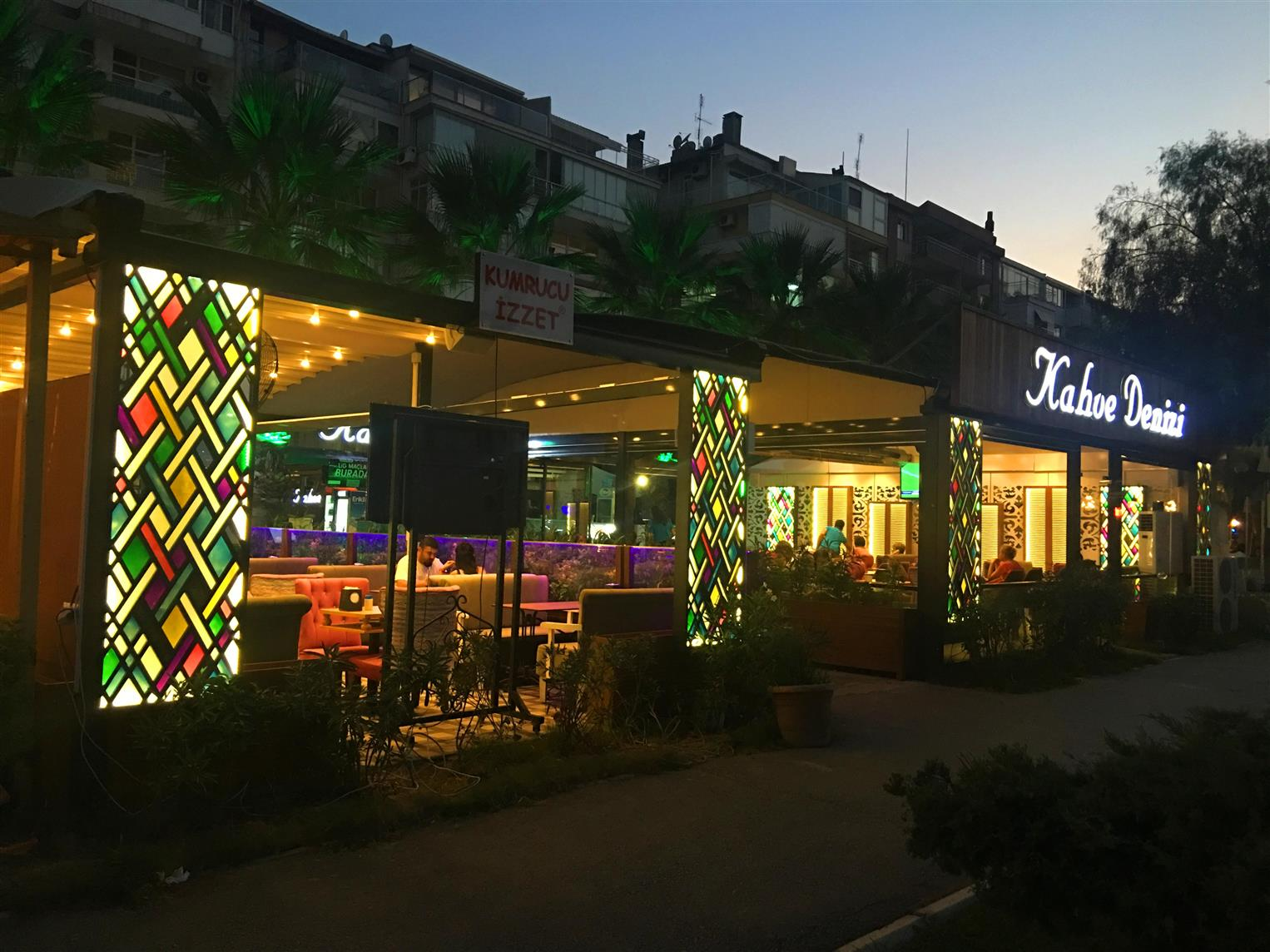 kahve-denizi-cafe-restaurant2017122118444447.jpg izmir vitray çalışması