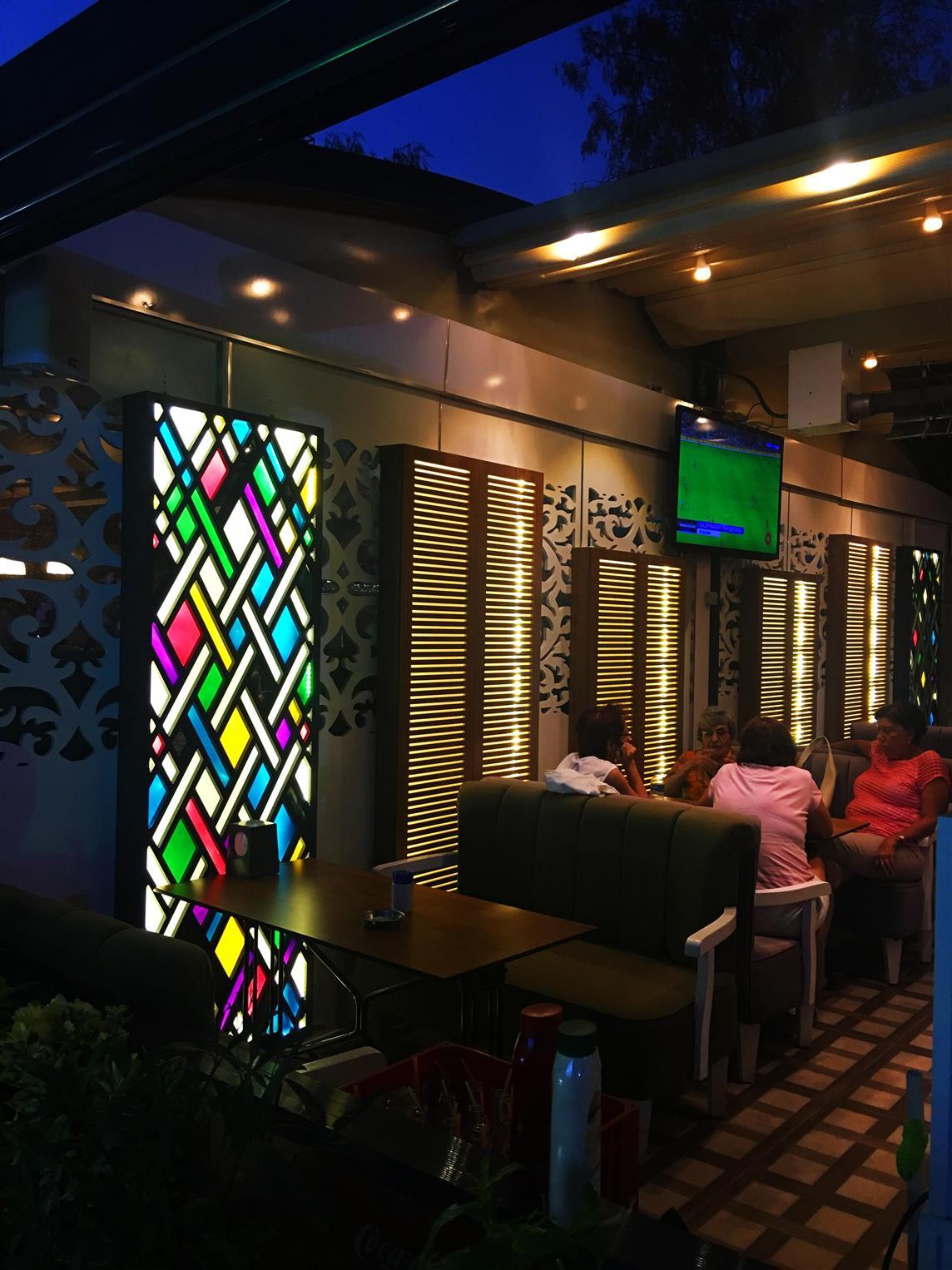 kahve-denizi-cafe-restaurant2017122118459650.jpg izmir vitray çalışması